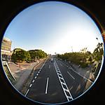 陸橋から見た道路、円周魚眼写真 Sigma 4.5mm f2.8 circular fisheye