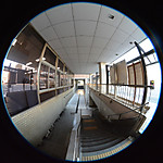 建物の外部の回廊的な空間、円周魚眼写真 Sigma 4.5mm f2.8 circular fisheye