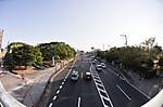 陸橋から見た道路、対角線魚眼写真 Nikon AF DX Fisheye-Nikkor 10.5mm f/2.8G ED